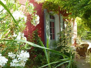 Le Jardin Barjo    La SUITE - Barjols vacation rentals
