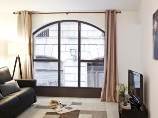 Design apartment behind Cathedral wifi monthly ren - Barcelona vacation rentals