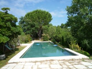 Charming country house in Fontès, Languedoc-Rousillon, with beautiful pool and garden - Fontes vacation rentals