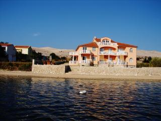 Seaside apartment in Vidalici, Croatia, with balcony overlooking the sea - Island of Pag vacation rentals