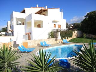 Beautiful island house in Rethymno, Crete, with pool and sea views - Lefkogia vacation rentals