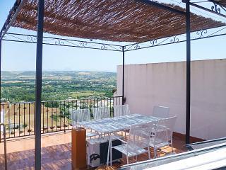 Traditional house with roof terrace in picturesque Arcos de la Frontera - Costa de la Luz vacation rentals