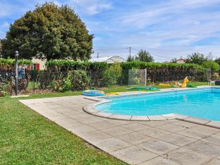 Enchanting holiday house in Poitou-Charentes with terrace and shared pool - Poitiers vacation rentals