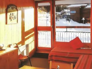 Slope-side flat in the Les Arcs ski resort in the French Alps, with balcony and central heating - Les Arcs vacation rentals