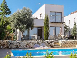 Luxury villa in Paphos, Cyprus, with pool and large rooftop terrace - Les Brévières vacation rentals