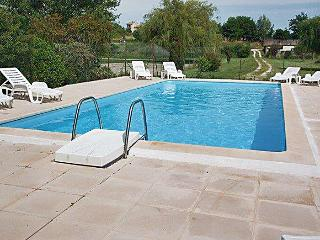 Large house in Vaux-sur-Mer with terrace and pool, near surfing hotspot of Royan - Poitou-Charentes vacation rentals