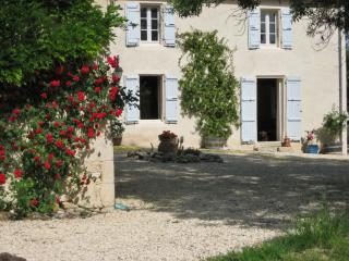 """Maison Vignes"" – charming and spacious farmhouse in Gascogne with pool and countryside views - Fources vacation rentals"