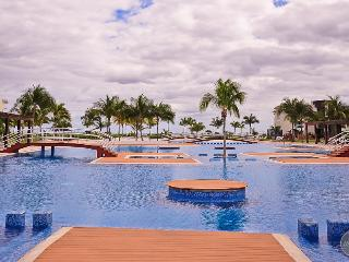 Incredible 2 BDR, Luxurious Oceanfront Complex - Playa del Carmen vacation rentals