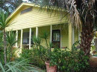 Downtown Sarasota Artist's Cottage - Sarasota vacation rentals
