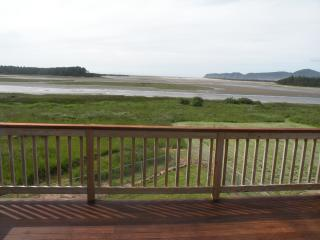 """""""The Sand Lake View""""  Ocean House - Oregon Coast vacation rentals"""