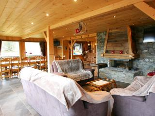 7 Room Chalet in Nendaz - Ski in - Ski out - Nendaz vacation rentals