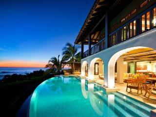 Steps from the Beach! Villa Floramar offers Gym, Pool & Relaxing Ocean Views - Playa Junquillal vacation rentals