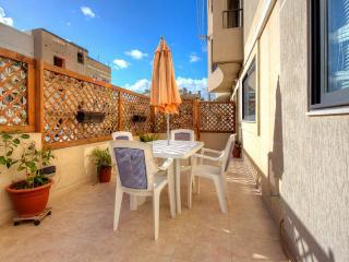 Maisonette: 5 min to Centre and Beach - Marsascala vacation rentals