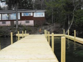 Vintage Vacation Rental on Lake Winnipesaukee Sleeps 10 (CAR32W) - Meredith vacation rentals