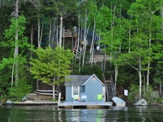 Two Bedroom Cottage Sleeps 8 on Lake Winnipesaukee (FER25W) - Alton vacation rentals