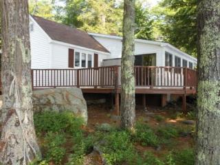 Lake Waukewan Vacation Rental in the Lakes Region (MAR8Wf) - New Hampton vacation rentals