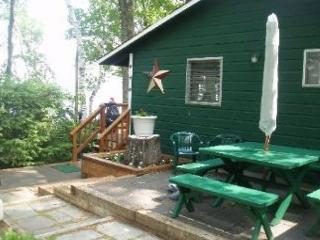 Pine Trails Quaint and Clean Waterfront sandy beach access Cottage (GAB4W) - Laconia vacation rentals