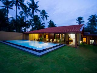 Hamilton Beach Villa - Uswetakeiyawa vacation rentals
