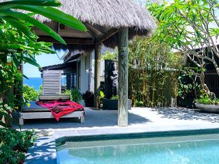 BALINESE BEACH HOUSE  NOOSA   -  Luxury Holidays - Noosa vacation rentals