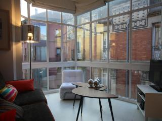 Vintage & Cool Designer Loft C/Mayor-Opera - Madrid vacation rentals