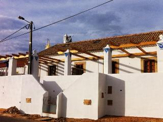 Casa do Algibe - Alcantarilha vacation rentals