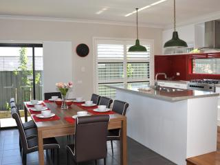 MARIGOLD HILL - MELBOURNE 20 min to City CBD - Melbourne vacation rentals