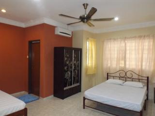 Melaka Sentral House - Family Room - Melaka vacation rentals