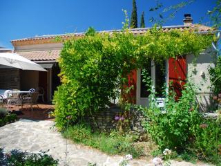 Au Jardin d'Isabel - Rochefort du Gard vacation rentals