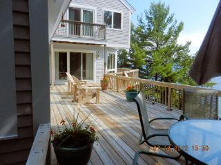 Lake Winnipesaukee- Upscale 3+-bdrm contemporary - Wolfeboro vacation rentals