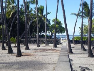 Kai Beachfront Hale- Experience the True Hawaii! - Captain Cook vacation rentals