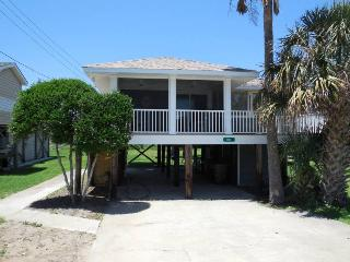 Katie's Cottage - Folly Beach, SC - 3 Beds BATHS: 1 Full - Folly Beach vacation rentals