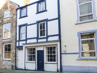 PORTH YR AUR BACH, family friendly in Caernarfon, Ref 2744 - Nefyn vacation rentals