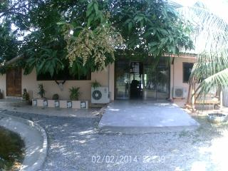 villa assinee - Wichian Buri vacation rentals