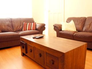 An ideal  house for Norwich City Break - Norwich vacation rentals