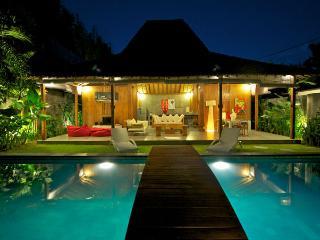 SEMINYAK 4 Bedroom Villa - Eat St - Oberoi - jj - Kuta vacation rentals