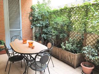 Nearby Peace Arch w/terrace & M1-M5 - Milan vacation rentals