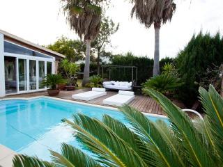 Villa Alcudia Beach, private pool, near the beach - Puerto de Alcudia vacation rentals