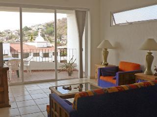 Bright & Spacious 2-Bdrm Puerto Vallarta condo - Puerto Vallarta vacation rentals