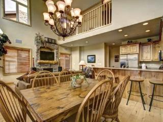 Snowbasin View Huntsville Condo | Luxury 3 Bedroom | Lakeside Unit 30 - Huntsville vacation rentals