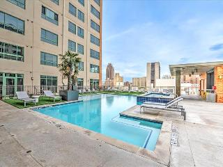 Stay Alfred Your Home Base Near the River Walk VS2 - South Texas Plains vacation rentals