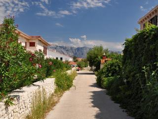 0401POVL A2 Zeleni(2+1) - Povlja - Sumartin vacation rentals