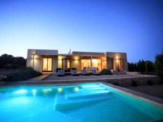 Charming 4 Bedroom Villa in Formentera - Formentera vacation rentals
