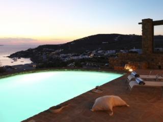 Glorious 3 Bedroom Villa in Agios Ioannis - Agios Ioannis vacation rentals