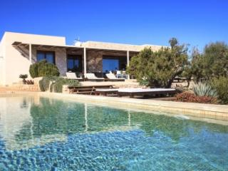 Quaint 4 Bedroom Villa in Formentera - Formentera vacation rentals