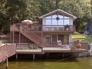 Lotss of Fun in the SUNNNN - Lake of the Ozarks vacation rentals