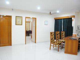 Lloyds Guest House, North Boag Road, T. Nagar - Chennai (Madras) vacation rentals