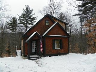 New Waterville Estates Private Home sleeping 7 with passes to Community Center - Campton vacation rentals