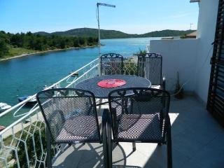 Apartment Vrilo (2+2) - Pirovac vacation rentals