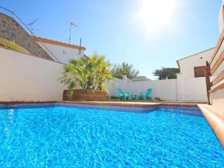 Magnificent house with an intimate private pool - L'Escala vacation rentals