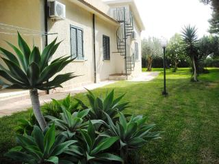 Le Muse Villa Polimnia sleep 8 beach 200 mt - Menfi vacation rentals